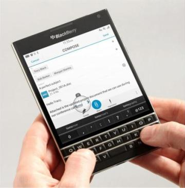 BlackBerry wants to reinvent the smartphone with keyboard